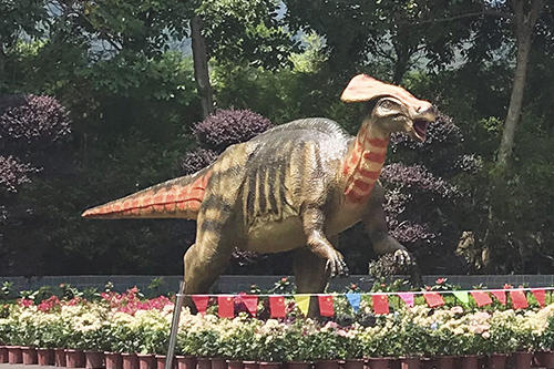 Mechanical dinosaur for outdoor park