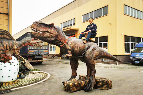 Giant Size Animatronic T-rex Walking Ride