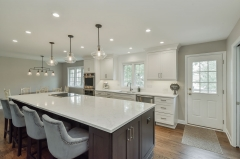 White painted shaker kitchen with stainded walnut island-Allandcabinet