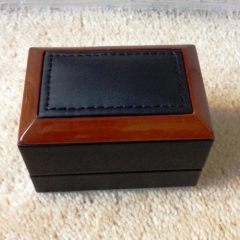 Wood Frame Double Ring Box