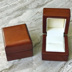 Timber Small Ring Box