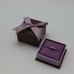 H60 Purple Ribbon Ring Box