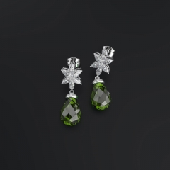Selling Emerald Eardrops