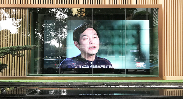 55 inch 700nits semi outdoor LCD video wall inside Window of shopping mall