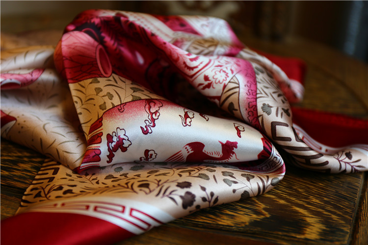 What are the common fabrics for scarves