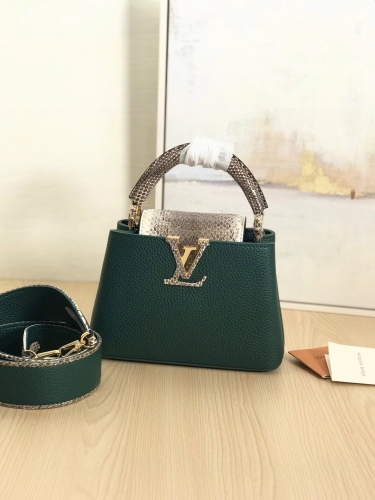 95509 [Capucines] bag Python skin Green XS