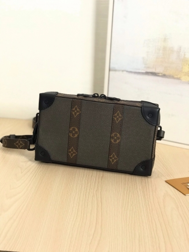 30697 [Softtrunk Wallet] box Brown