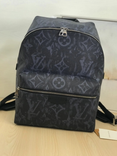 57274 [Discovery] backpack New Monogram black
