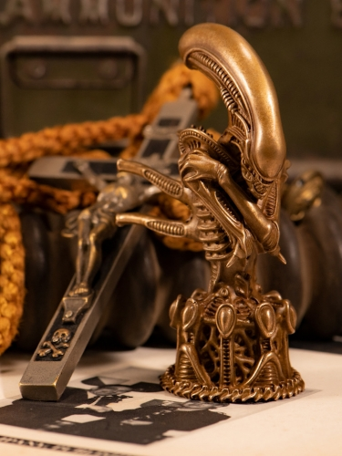 (Sold Out)Alien Bronze 11CM By Orgrimmar Studio