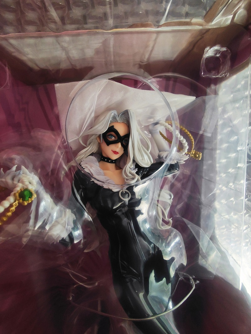 (Restocking)Kotobukiya BISHOUJO MARVEL UNIVERSE Black Cat Steals Your Heart 1/7 Figure