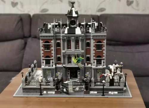 In Stock k128 Collector's Edition Building Series Crazy Asylum High Difficulty Lunatic Hospital 7111Pcs Building Blocks