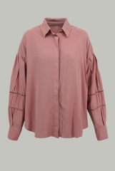 Plain shirt with hol...