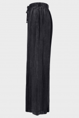 Loose and large size trousers with looped waist