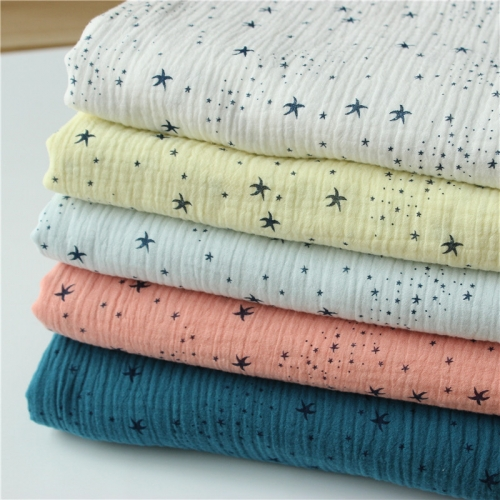 White star print double layer 100% cotton gauze muslin combed compact cotton yarn for baby blanket