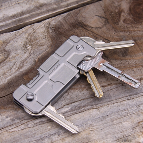 titanium knife with key holder