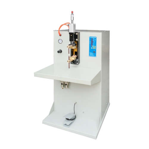 Spot welding machine for lithium ion battery cell