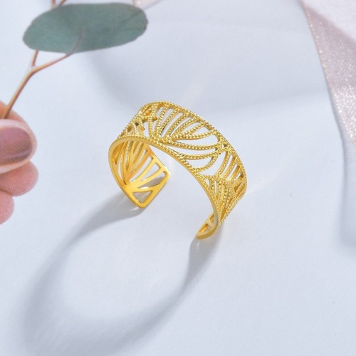 Filigree dotted line leaf adjustable ring in stainless steel
