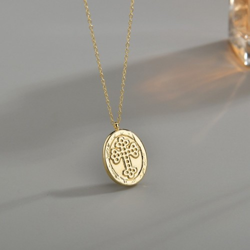 Vintage cross medallion necklace in gold plating stainlss steel