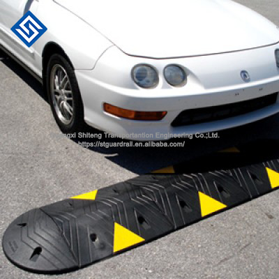 Factory Supply Rubber Speed Hump Road Speedbump Breaker