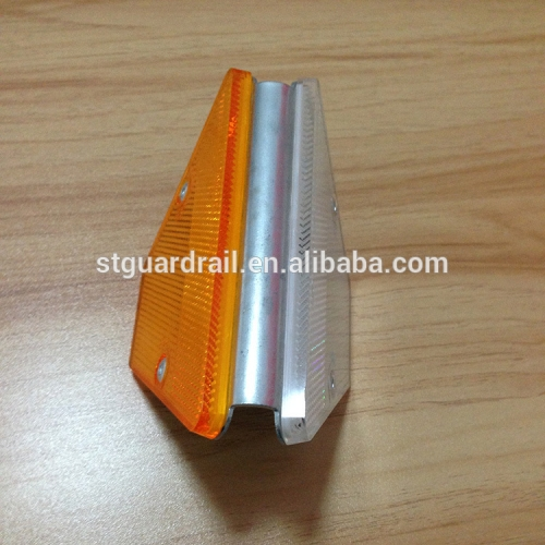 two side guardrail used plastic road reflector for crash barrier